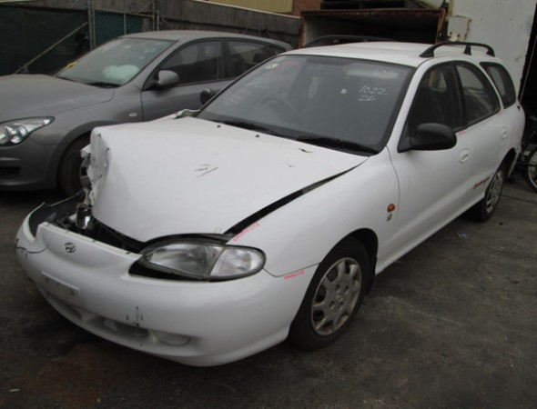 Hyundai J Lantra Wagon I M White Newm on 2000 Hyundai Elantra Wagon Parts