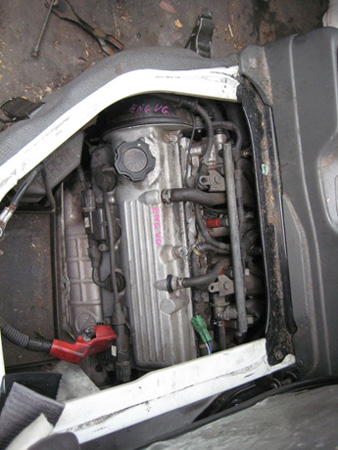 suzuki carry 1.3i -m- white. carry spare parts