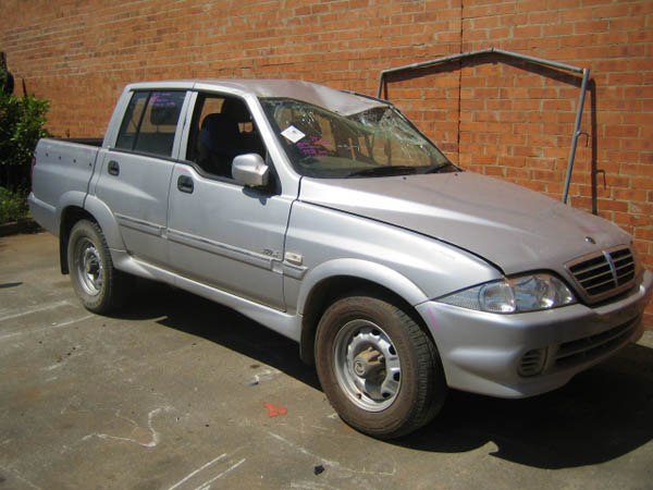 Ssangyong Musso Sports Ute 2.9DT -M- 4WD Silver. Musso second hand