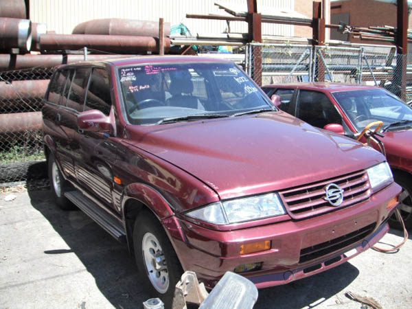 Ssangyong Musso Wagon 3.2i -A- 4WD Maroon. Ssangyong spare parts