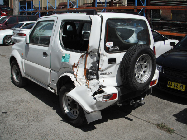 187 Suzuki Jimny Sierra 1 3i M White Wrecking In Sydney