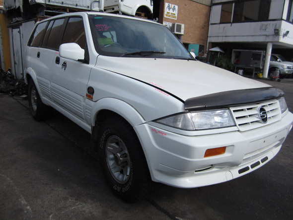SsangYong Musso I Wagon 3.2i -A- White. Musso auto parts